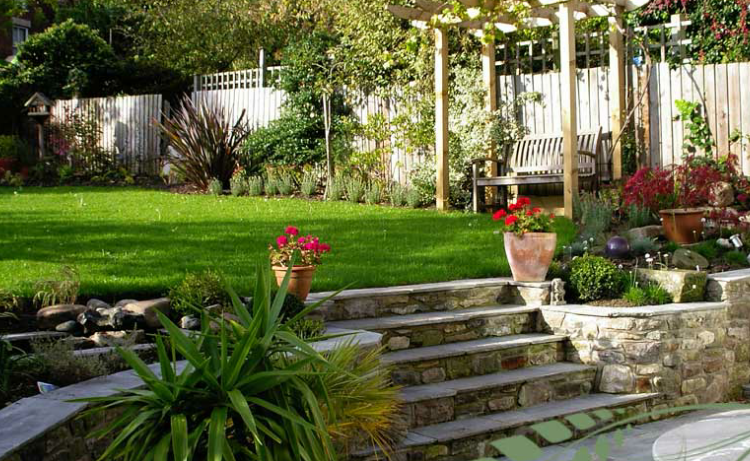 10 Things to Look Out for in the Garden when House-Hunting